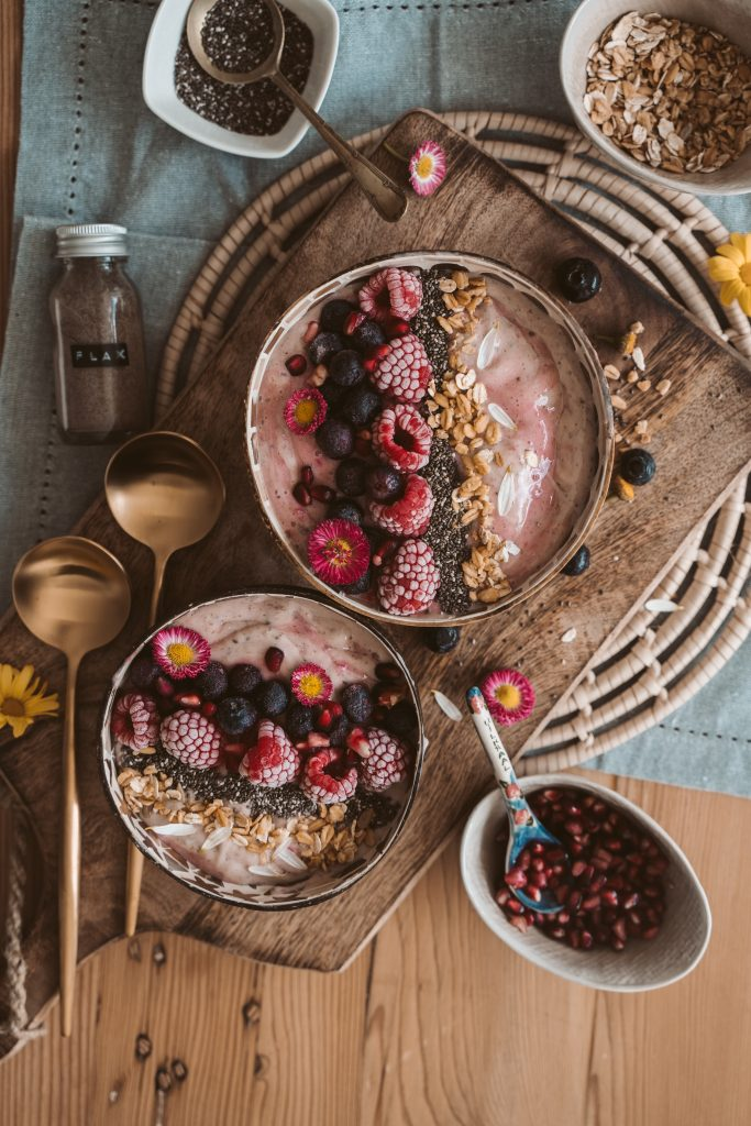 vegan meal prepping with smoothie bowls
